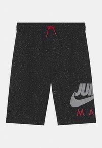 Jordan - JUMPMAN SPECKLE - Urheilushortsit - black - 0
