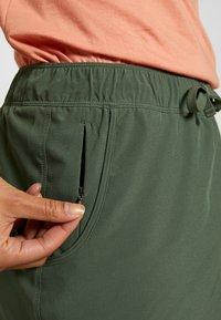 Patagonia - FLEETWITH SKORT - Sports skirt - kale green - 5