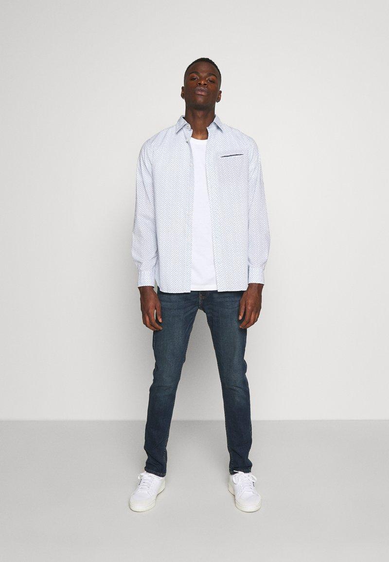 Burton Menswear London - BASIC 5 PACK - Basic T-shirt - pink