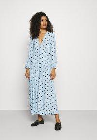 Ghost - ALANYA DRESS - Robe d'été - light blue/black - 0