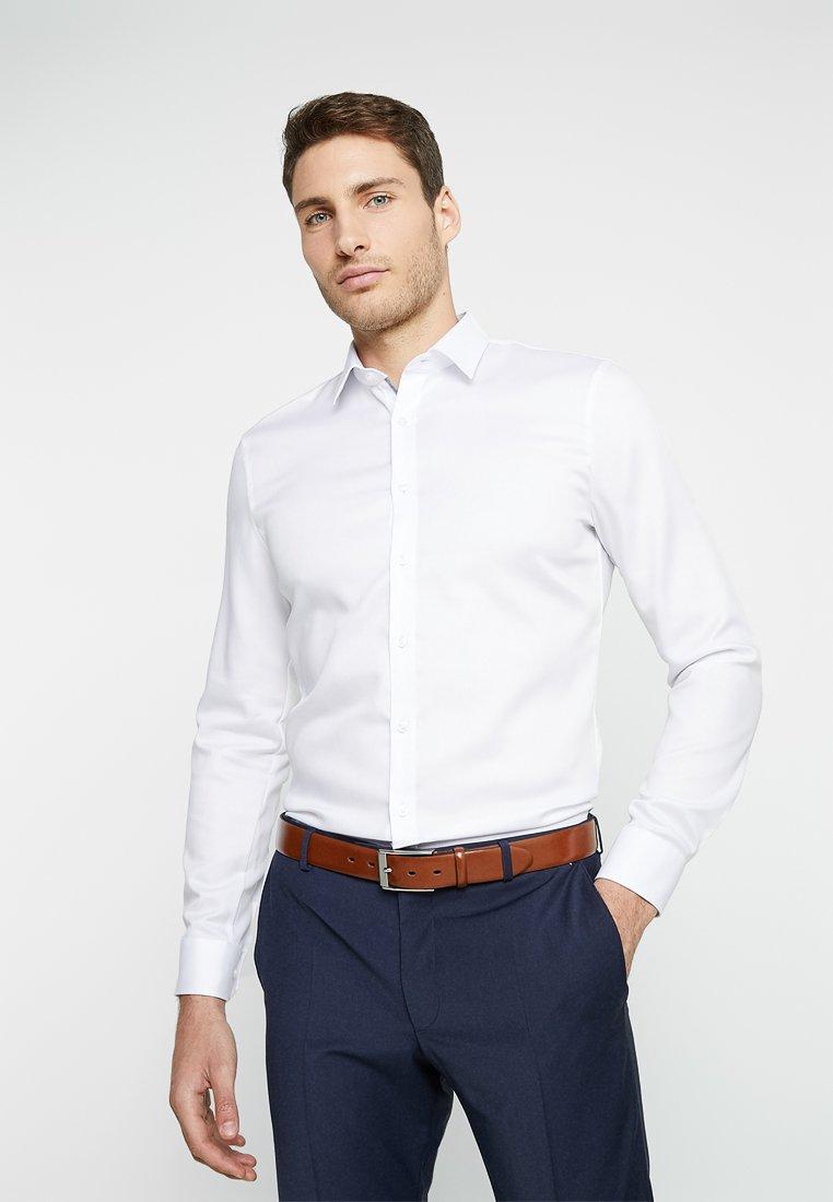 OLYMP - OLYMP NO.6 SUPER SLIM FIT - Koszula biznesowa - white