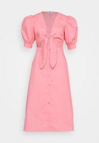 NA-KD - HOSS X FRONT TWIST DRESS - Cocktailkleid/festliches Kleid - pink - 4