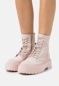 Steve Madden - SKYLAR - Platform ankle boots - blush - 0