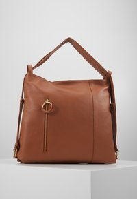Zign - LEATHER SHOULDER BAG / BACKPACK - Reppu - cognac - 0