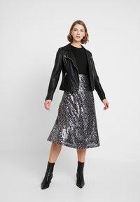 ONLY - ONLVIVA SKIRT - A-line skirt - black/silver - 1