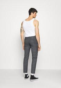 Burton Menswear London - CHECK 2 PACK - Kangashousut - navy - 2
