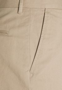 Filippa K - WILLIAM COTTON TROUSER - Kalhoty - desert tau - 2