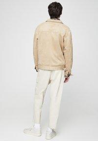PULL&BEAR - Bunda zumělé kůže - beige - 2
