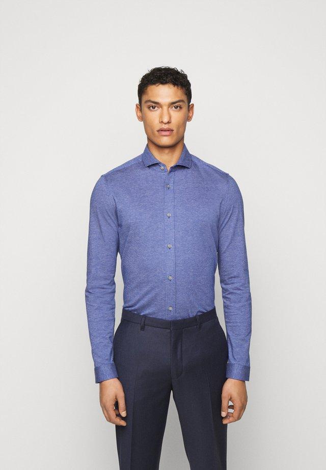 SOLO - Overhemd - blau