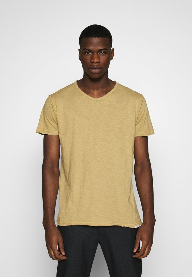 MARCEL TEE - T-shirt basic - dull golden