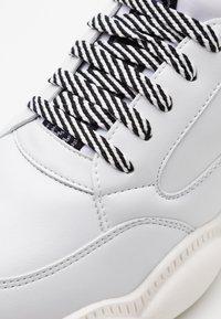 MOSCHINO - Sneakers laag - white - 5