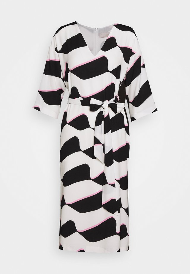 GRAPHIC WAVE SHIFT - Vestido informal - mono