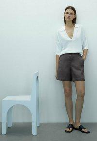 Massimo Dutti - Shorts - dark grey - 1