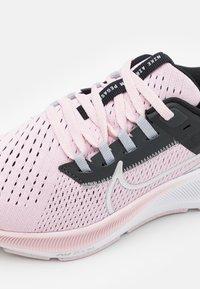 Nike Performance - AIR ZOOM PEGASUS 38 UNISEX - Závodní běžecké boty - pink foam/metallic silver/black/dark smoke grey - 5