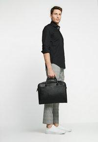 Tommy Hilfiger Tailored - CLASSIC SLIM  - Formal shirt - black - 1