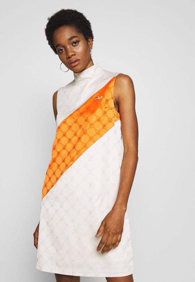 HANAKO - Denní šaty - eggnog/mandarin orange
