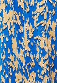 comma - KURZARM - T-shirt med print - blue - 2