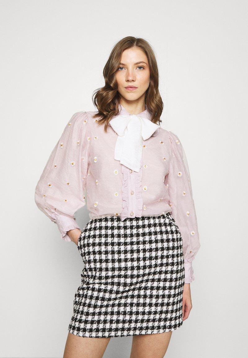 Sister Jane - PICK A PETAL BOW BLOUSE - Button-down blouse - pink
