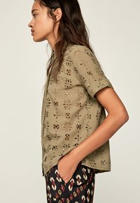 Pepe Jeans - COCO - Button-down blouse - thyme - 3
