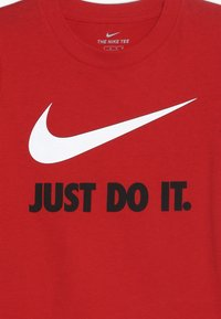 Nike Sportswear - TEE UNISEX - T-shirts med print - university red - 3