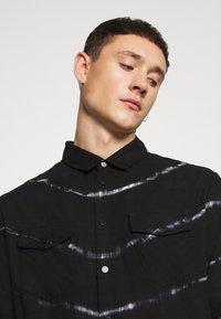 Be Edgy - BEACTON - Shirt - black batic - 4
