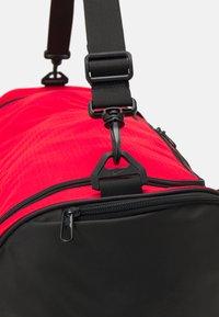 Nike Performance - 60L UNISEX - Treningsbag - university red/black/white - 5