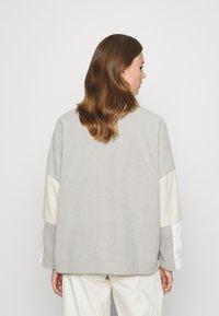 Monki - FOO  - Fleece jumper - grey - 2