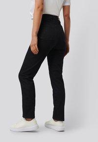 NA-KD - Straight leg jeans - dark blue - 3