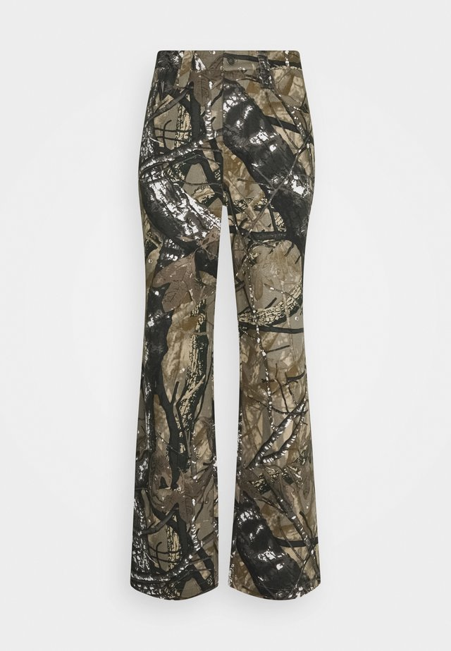 SKATE  - Relaxed fit jeans - camo