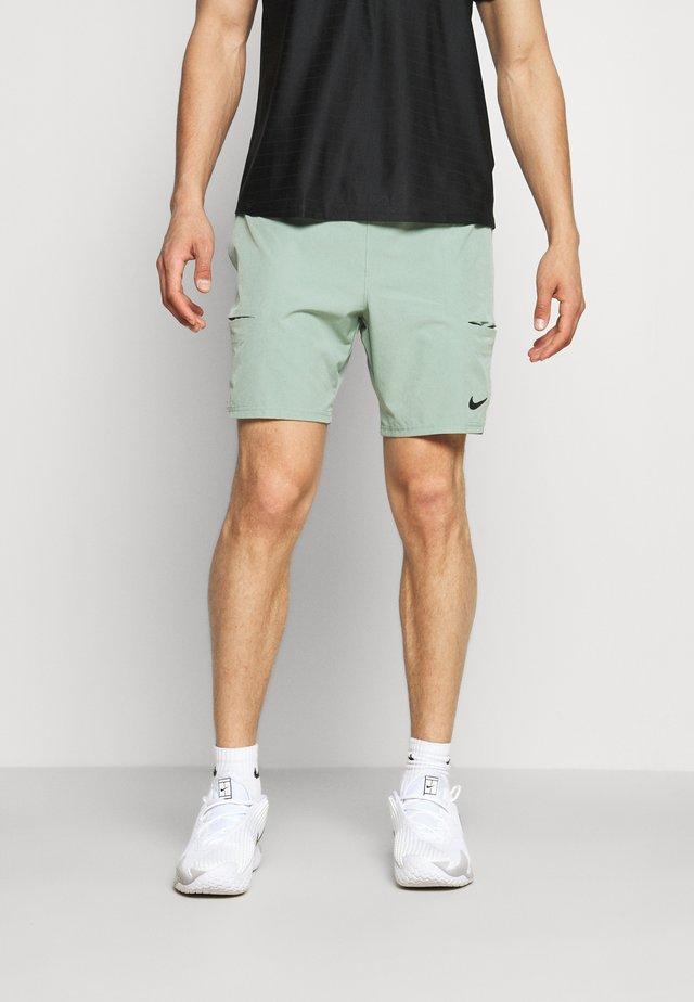 SHORT - Pantaloncini sportivi - jade smoke/black