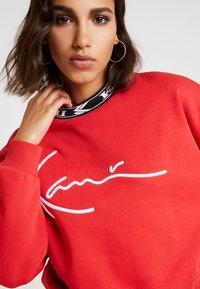 Karl Kani - SIGNATURE CREW - Sweatshirt - red/white/black - 6