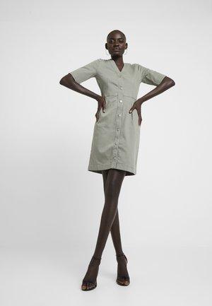 SLFLISE DRESS - Denim dress - deep lichen green