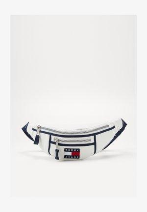HERITAGE BUMBAG CNVS - Bum bag - white
