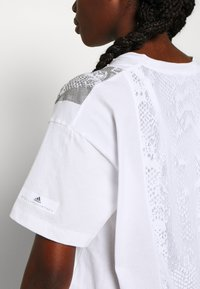 adidas by Stella McCartney - GRAPHIC TEE - Print T-shirt - white - 4