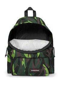 Eastpak - Rucksack - leaves green - 3