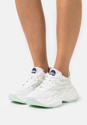 EYZA - Trainers - white
