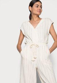Esprit - OVERALL KAFTA - Jumpsuit - off white - 3