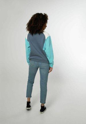 NXG WIZZL - Sweater - manatee