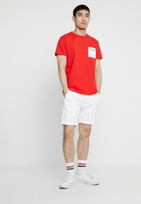 Tommy Jeans - ESSENTIAL - Shorts - white - 1