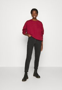 Even&Odd - OVERSIZED CREW NECK SWEATSHIRT - Sweatshirt - red - 1