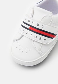 Tommy Hilfiger - First shoes - white - 5