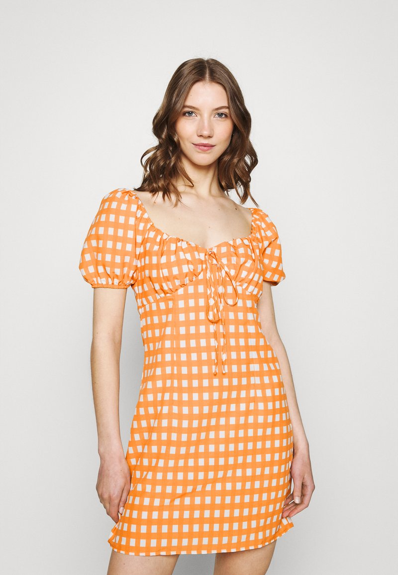 Glamorous - MINI DRESS WITH PUFF SHORT SLEEVES AND LOW SWEETHEART NECKLINE - Vestido informal - rust gingham