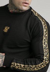 SIKSILK - SIKSILK  PANEL CREW  - Sweatshirt - black & gold - 4