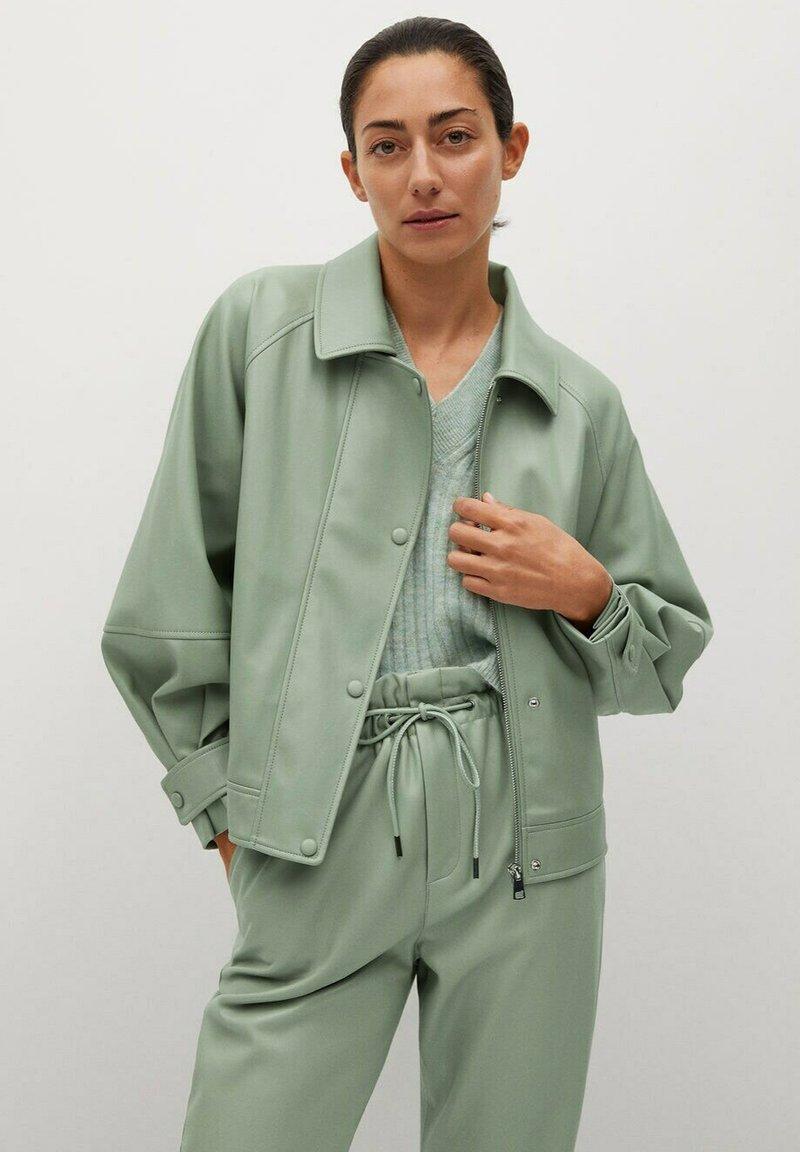 Mango - CREAM - Faux leather jacket - pastellgrün