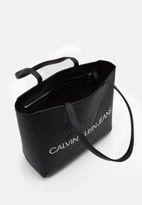 Calvin Klein Jeans - SHOPPER - Shopping Bag - black - 2