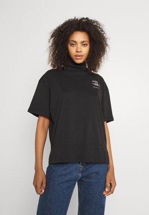 GRAPHIC FUNNEL TEE - Print T-shirt - black