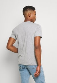 Newport Bay Sailing Club - SAIL TEE - T-shirts print - grey marl - 2