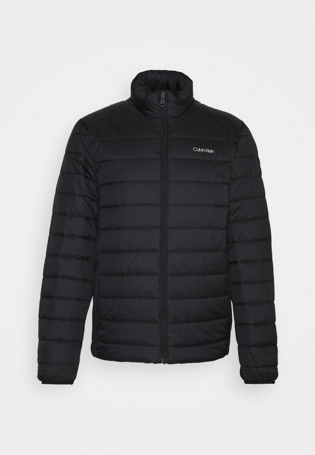 ESSENTIAL SIDE LOGO JACKET - Winter jacket - black