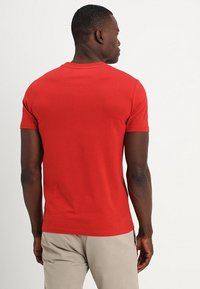 Marc O'Polo - SHORT SLEEVE ROUND NECK - Basic T-shirt - pompeian red - 2