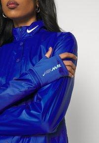 Nike Sportswear - INFLATABLE - Summer jacket - hyper blue - 5